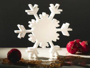 пенопластовая снежинка